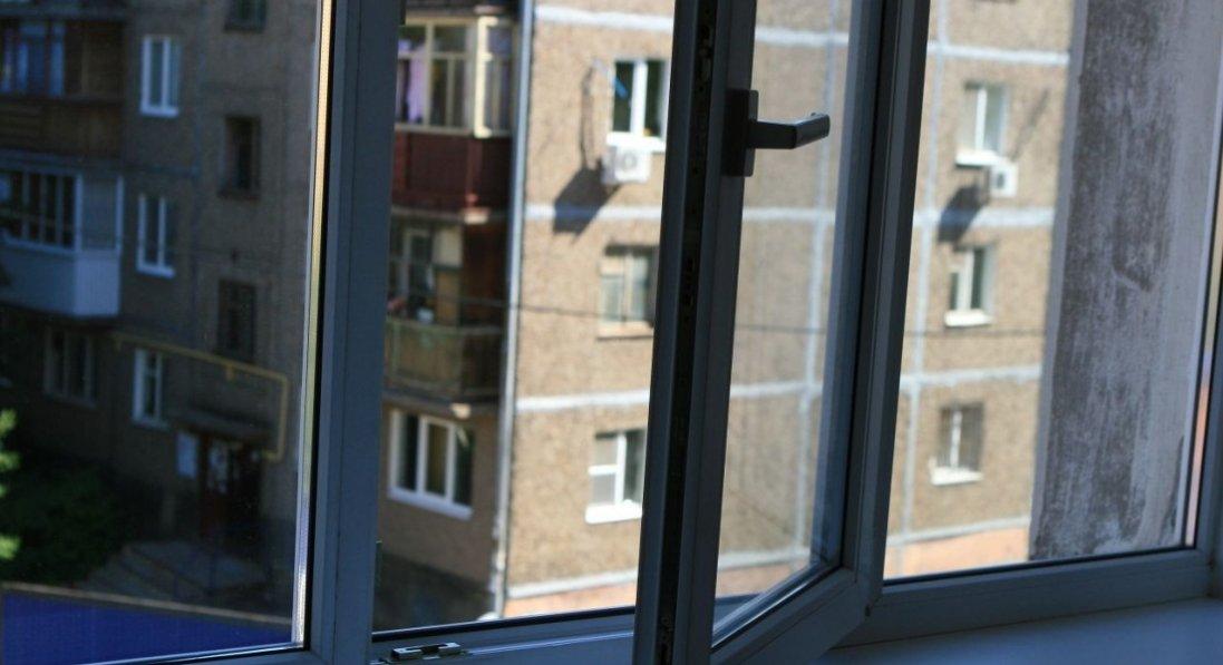 У Києві чоловік вистрибнув з вікна лікарні