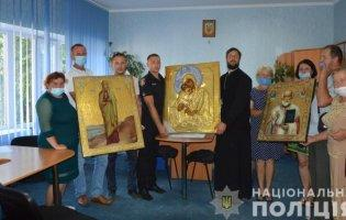 Бізнес на антикваріаті: на Волині в церкву повернули викрадені ікони
