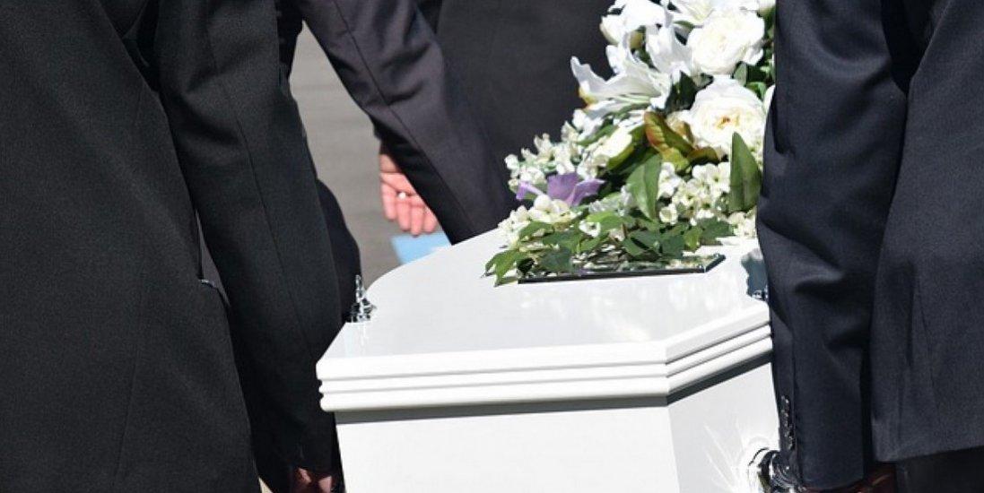Лише після смерті неньки дівчина дізналася про те,що її рідною матір'ю є її тітка