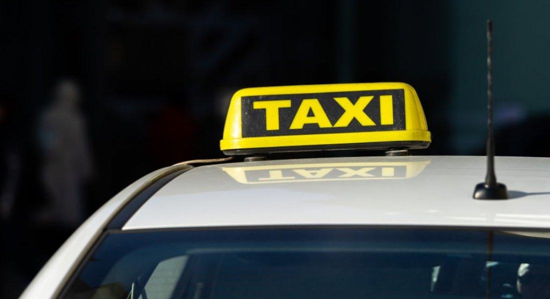 У Луцьку водій таксі зламав ніс клієнтці