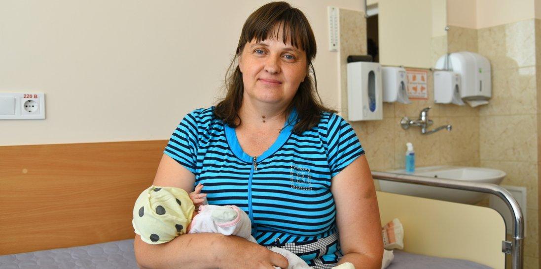 Як живе 41-річна мама-героїня з Волині, котра нещодавно народила 17-ту дитину
