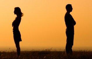 Батько трьох дітей прикидався онкохворим, аби його не лишила дружина