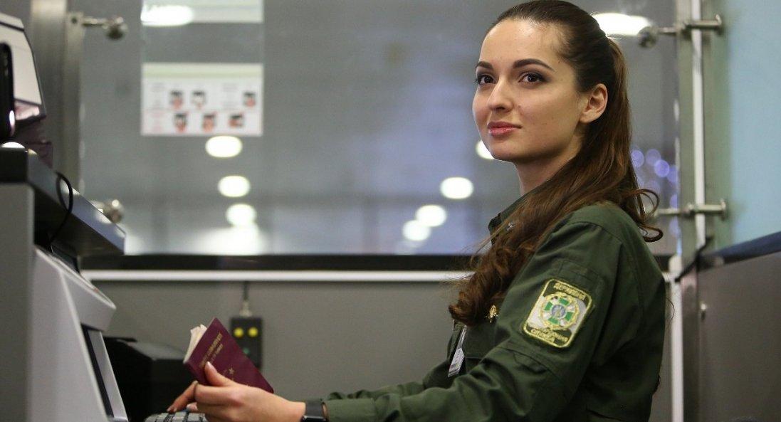 Скільки іноземців потрапили в Україну за лічені години роботи заборони на в'їзд