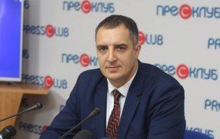 Коронавірус на Львівщині: госпіталізували голову облради