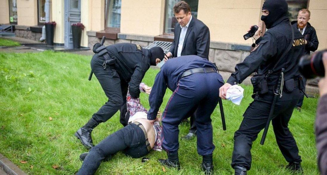 Протести в Білорусі: з лікарні зник 16-річний хлопець