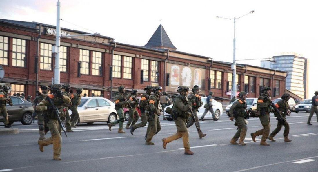 У Білорусі перед Маршем героїв почалися масові затримання: що відомо