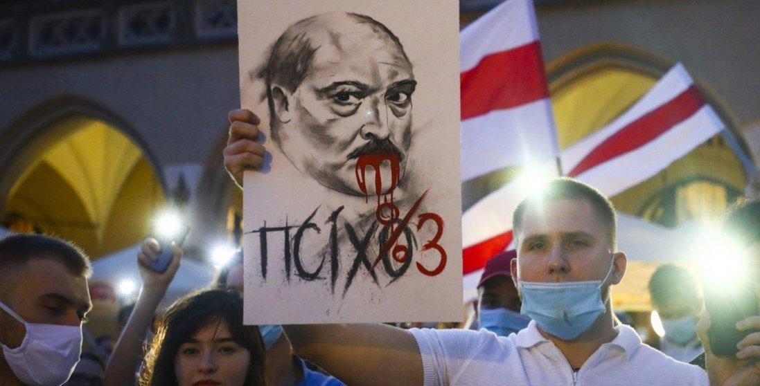 У Білорусі заарештували майже 800 протестувальників