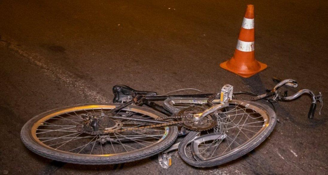 На Волині велосипедист в'їхав в бетонну електроопору: він помер