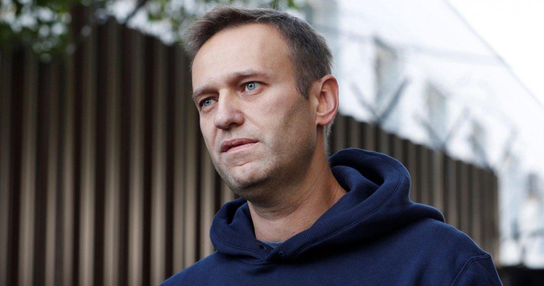 Отруєння Навального: російський опозиціонер вже може вставати з ліжка