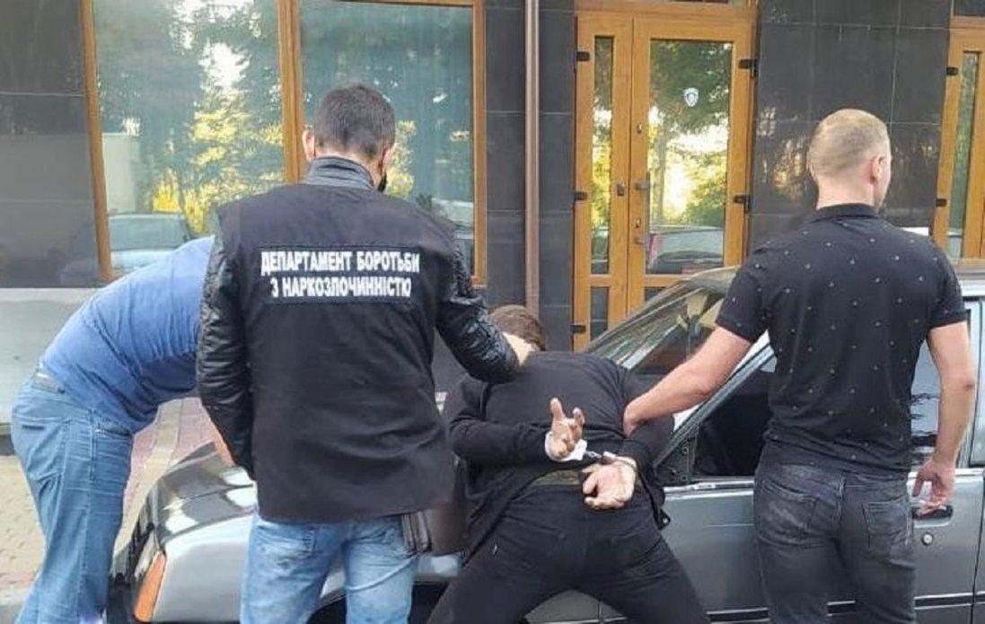 У Луцьку затримали чергового закладчика наркотиків