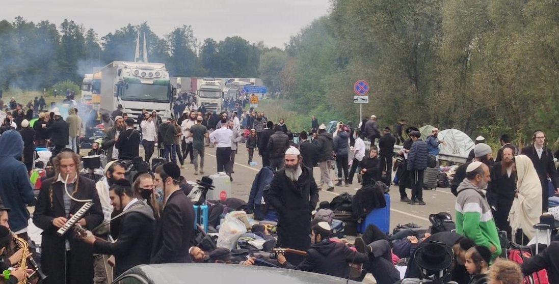 Хасиди покидають кордон з Україною: що відомо