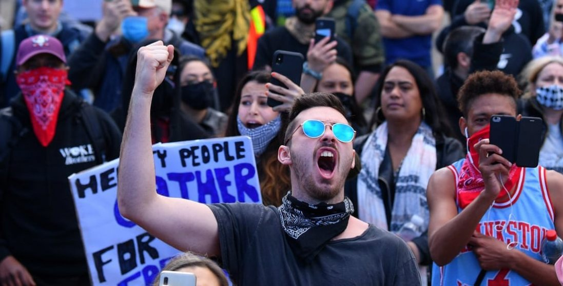 У Німеччині та Іспанії люди протестують проти карантину