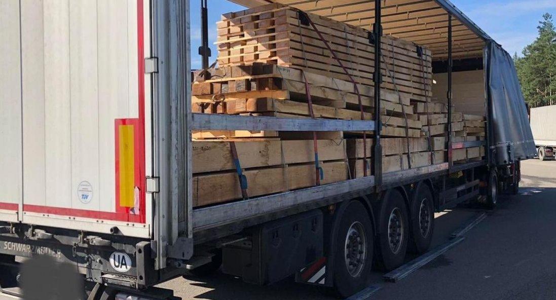 Митники «Ягодина» зупинили вивезення «лівого» лісу в Люксембург