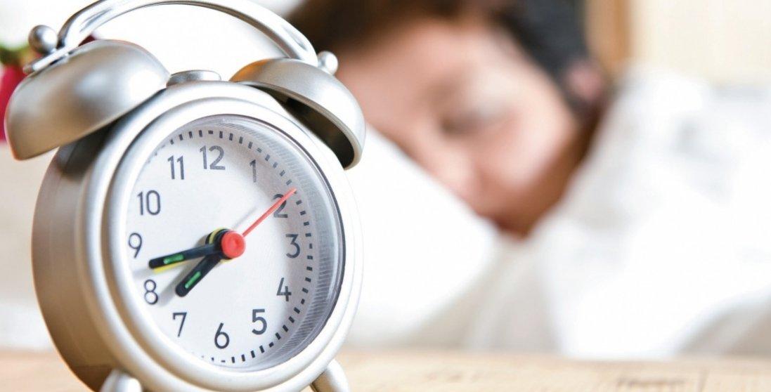 Перехід на зимовий час: коли варто переводити годинники