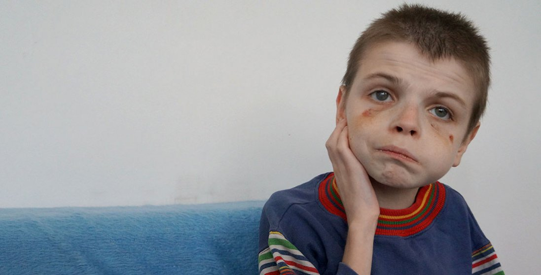 В інтернаті Києва знущаються над дітьми-аутистами: моторошне відео