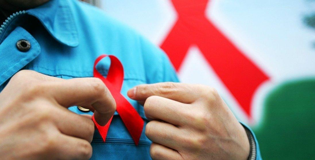 Аж через 12 років: перша людина, яка поборола ВІЛ, померла від лейкемії