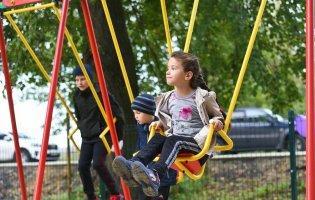 «Ні дня без добрих справ»: поблизу Луцька відкрили сучасний дитячий майданчик