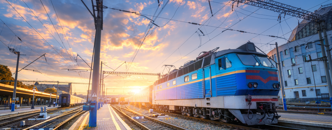«Укрзалізниця» запроваджує безконтактну оплату у приміських потягах