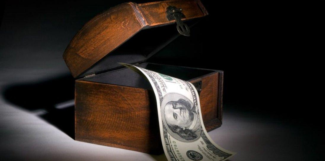 10 жовтня: чому сьогодні варто класти гроші на кухонний стіл