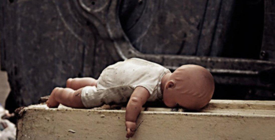 «Сама подзвонила в поліцію»: усі подробиці про лучанку,  яку затримали із мертвим немовлям в пакеті