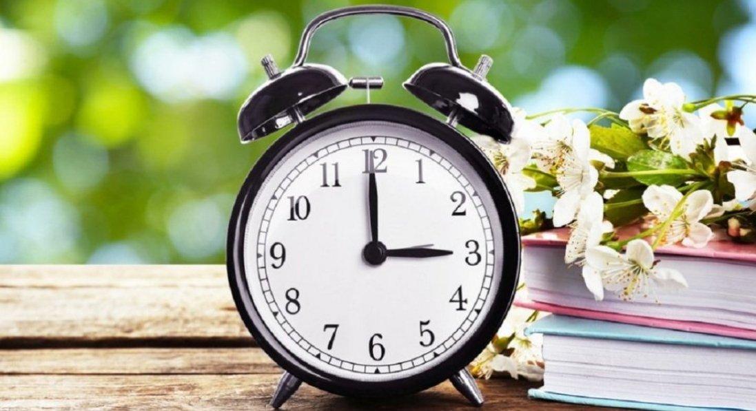 В Україні можуть скасувати переведення годинника: назвали умову