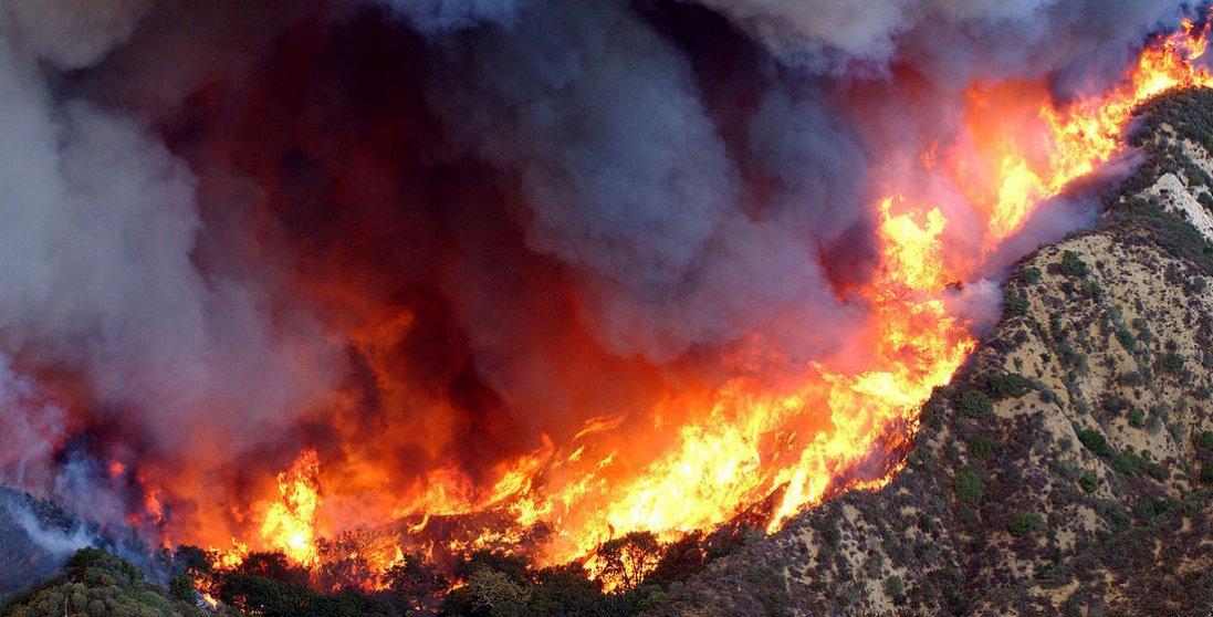 В США евакуювали 100 тисяч людей через пожежі
