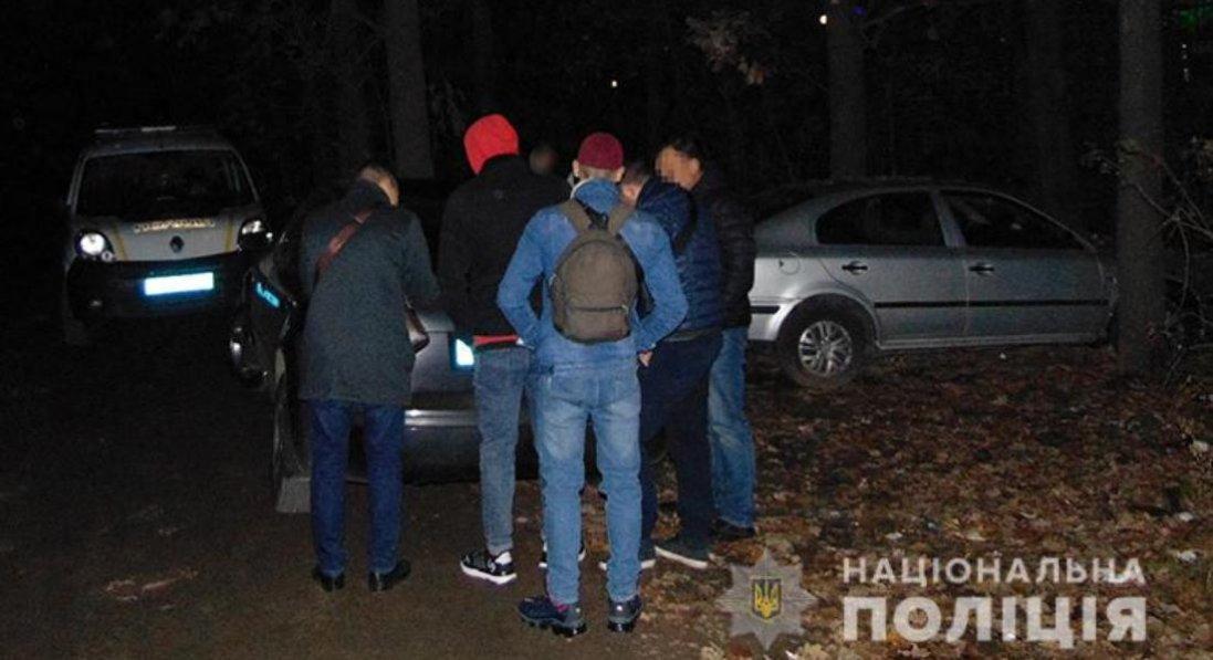У Києві крадій відбуксирував авто