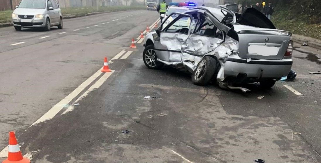 У Дніпрі 22-річний водій спровокував смертельну ДТП за участю 5 автівок