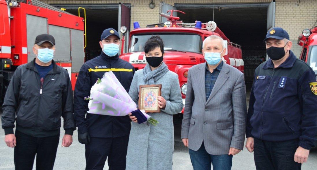 Двох маленьких дітей із вогню врятувала сусідка