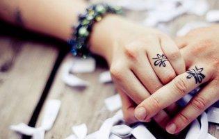 Замість традиційних обручок… татуювання