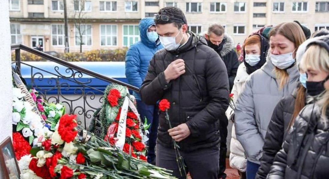У Мінську попрощалися з активістом, якого побили за прапор