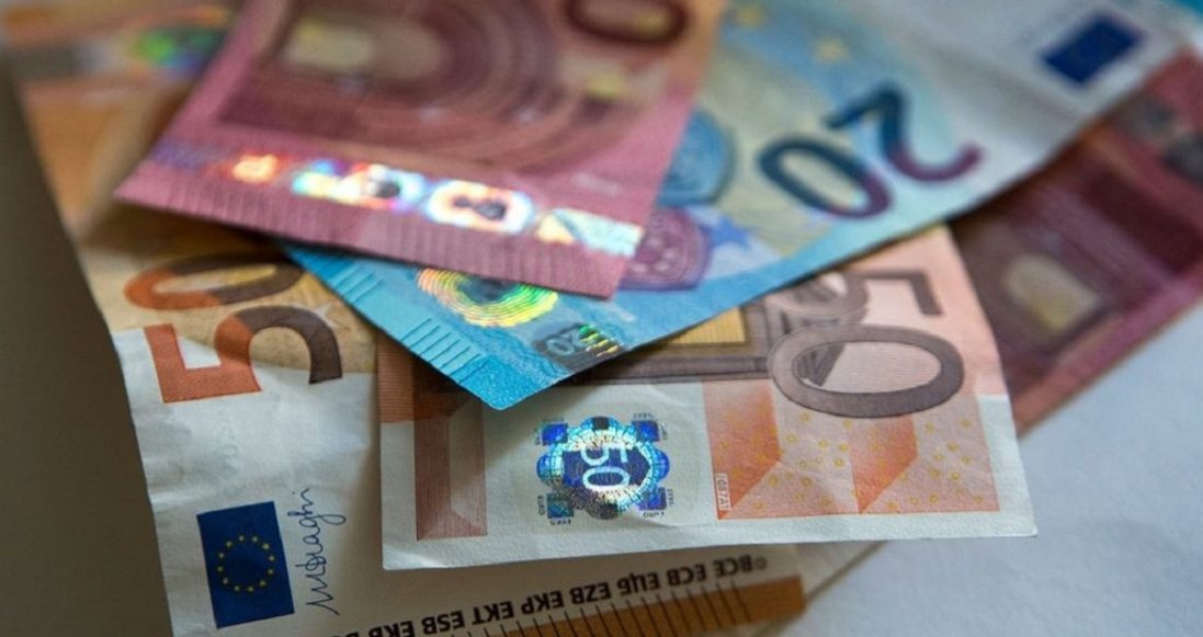 Українці хотіли ввезти до Польщі понад €48 тис: який штраф вони заробили