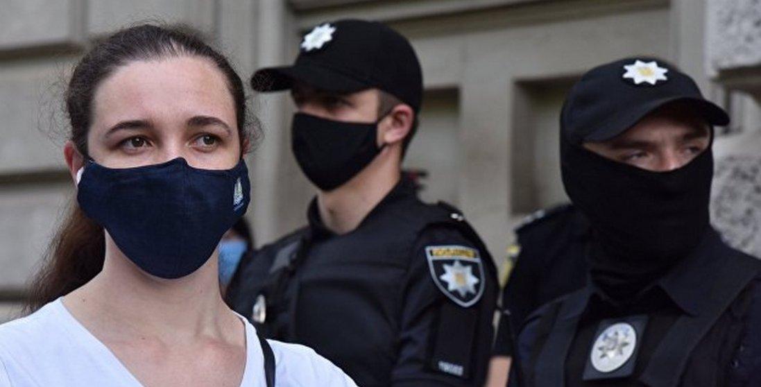 Скільки осіб оштрафували за відсутність маски