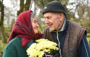 Жили в землянці, втікали від розстрілів і їли крадене зерно: історія кохання, довжиною в 60 років