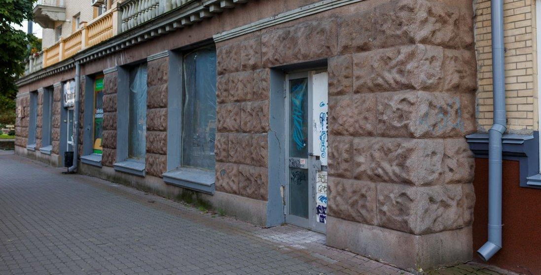 Вигідне розташування та три кімнати: у Луцьку здають в оренду приміщення під комерцію