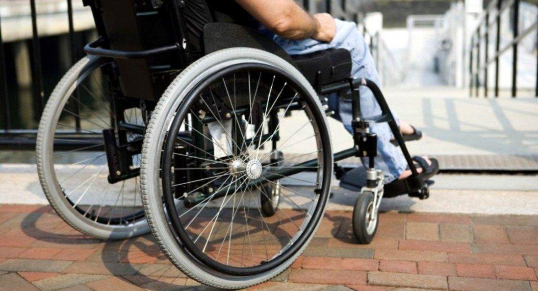 В Україні для людей на інвалідних візках встановили норми ПДР