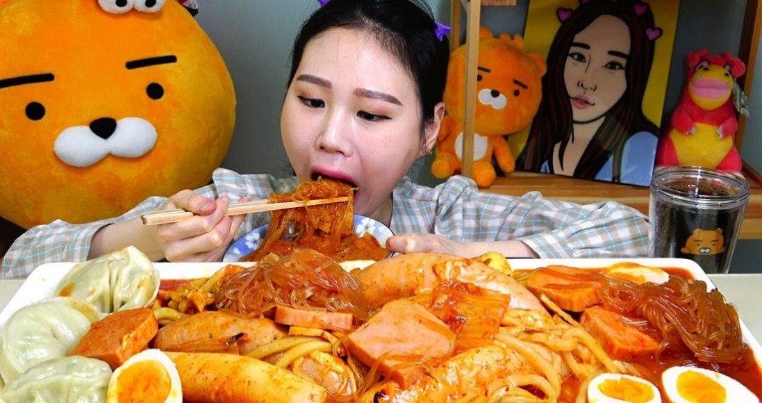 Що про людину розкаже її звичка їсти: секрети від психологів