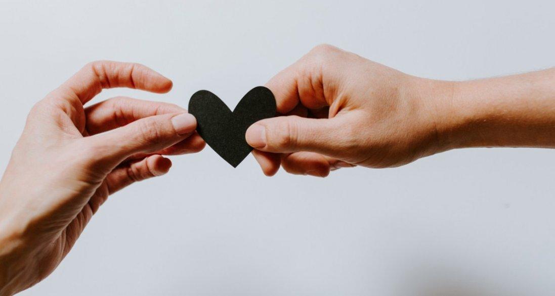 8 стадій, які переживають усі пари