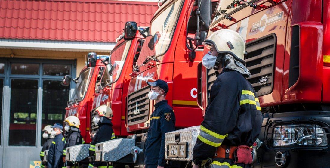 Рятувальники та авіація працюють посилено: чому