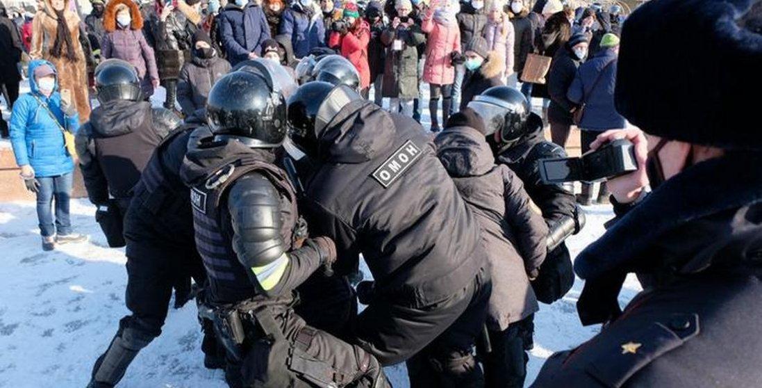 У Росії масові протести проти арешту Навального: що відомо
