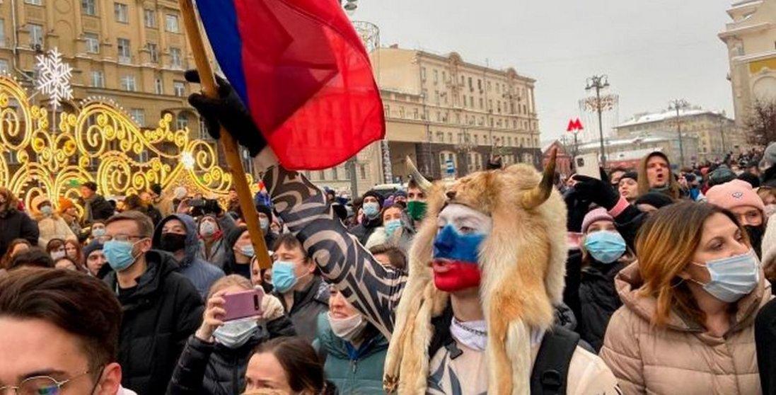 Протести в Росії: силовиків атакують снігом, проте арешти тривають