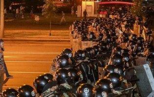 Протести в Білорусі тривають пів року: на вихідних затримали знову 100 осіб