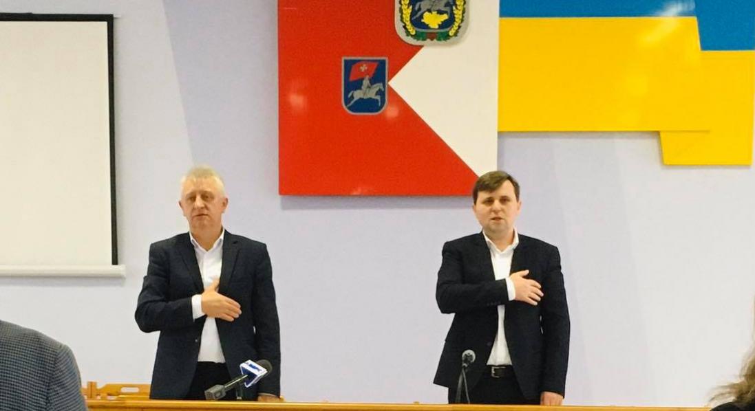 З поліцією та скандалом: Луцький райцентр первинної медичної допомоги передали у Ківерці