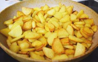 Як смажити картоплю, щоб вона була ідеальною