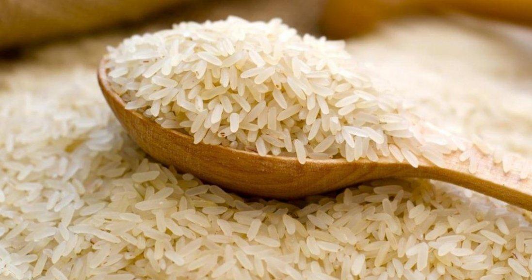 Як приготувати розсипчастий рис без плити і мультиварки: покроковий рецепт