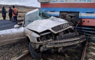 Смертельна аварія: на Донеччині зіткнулися потяг і легковик