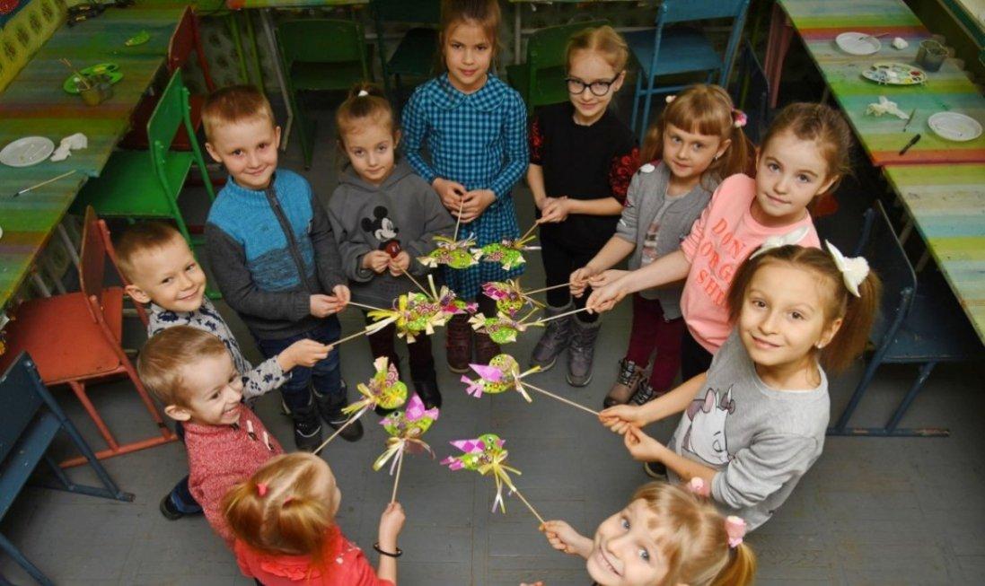 Весняні мотиви та море позитиву: неймовірний майстер-клас для дітей від «Кромберг енд Шуберт Україна Лу»