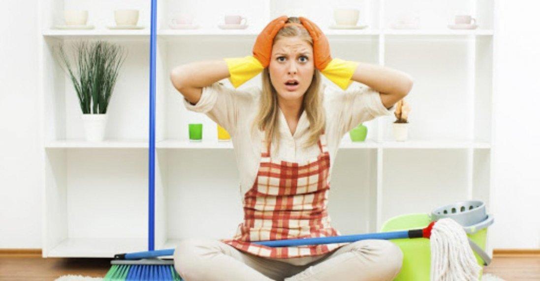 Чому не можна мити підлогу ганчірками зі старого одягу