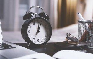 Українці й далі переводитимуть годинники