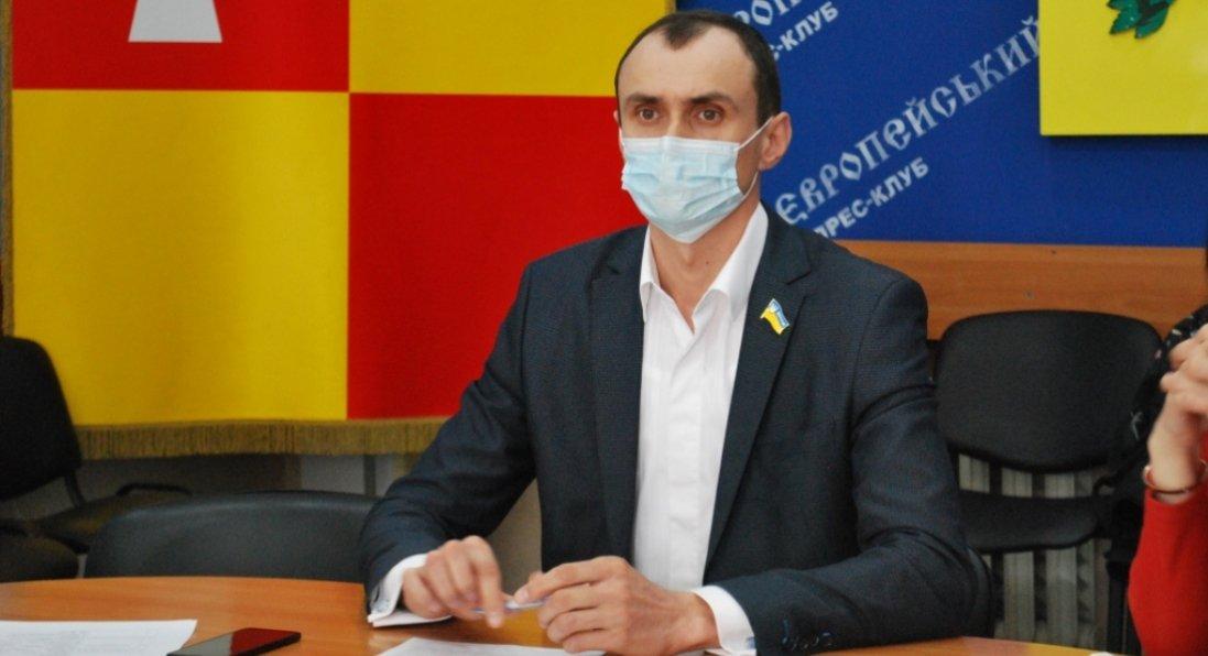 «Освітня реформа - це необхідність, а не бажання міськради», - голова освітньої комісії Віталій Бондар